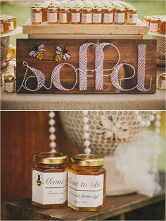 meant to bee wedding favors #weddingfavors #honeyjars #ranchwedding http://www.weddingchicks.com/2014/01/09/honey-sweet-wedding/