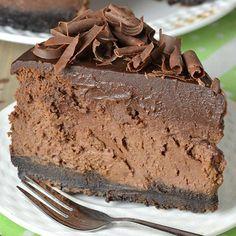 Cheesecake de chocolate triplo com crosta de Oreo