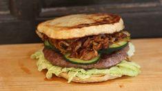In Love with Burger    Ohne Scheiß - jede Alternative zum Brötchen, die wir bis jetzt ausprobierten war besser!  Hier haben wir Sellerie als Brotersatz zubereitet   #EinfachAusprobieren #BrotloserBurger #EatYourBurger
