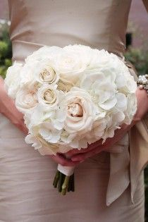 Creamy rose and hydrangea bouquet.