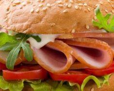 Burger minceur au blanc de poulet et mayonnaise légère : http://www.fourchette-et-bikini.fr/recettes/recettes-minceur/burger-minceur-au-blanc-de-poulet-et-mayonnaise-legere.html