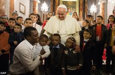 Pape François - Pope Francis - Papa Francesco - Papa Francisco : 30 nov 2014, voyage en Turquie :Pope Francis' visit with refugee children and young people on Sunday in Turkey