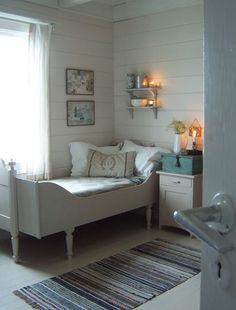 ~Magical Home Inspirations~ — Warm & cozy bedroom. - ~Magical Home Inspirations~ — Warm & cozy bedroom. Shabby Chic Bedrooms, Bedroom Vintage, Cozy Bedroom, Bedroom Decor, Cottage Living, Cottage Homes, Cottage Style, Swedish Cottage, Swedish House