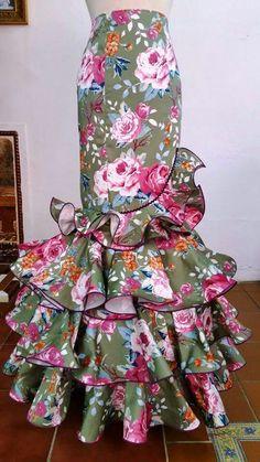 Retro Fashion, Boho Fashion, Fashion Outfits, Spanish Dress Flamenco, Flamenco Costume, Ankara Dress Styles, Spanish Fashion, Straight Dress, Andalucia