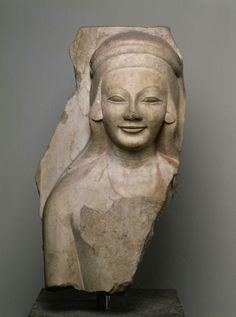 Fragment of a column drum (columna caelata): Female Relief Head. 3 Quarter 6 Century BC.      Location: Temple of Apollo (Turkey / Didyma). © Foto: Antikensammlung der Staatlichen Museen zu Berlin - Preußischer Kulturbesitz