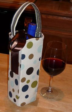 Wine bag pattern. Super cute and a great hostess gift!