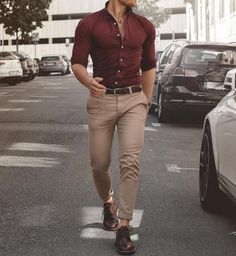 46 Amazing And Cozy Casual Business Outfit For Men business casual outfits men - Casual Outfit Outfit Hombre Casual, Outfit Chic, Formal Men Outfit, Casual Wear For Men, Stylish Mens Outfits, Casual Summer Outfits, Formal Wear For Men, Formal Dresses For Men, Formal Shirts For Men