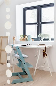 A pop of Aqua brightens any neutral space | Stokke Tripp Trapp