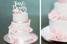 Romantische Hochzeitstorte mit Rosen aus Blütenpaste und Spitze - Ein Traun in Weiß und Rosa