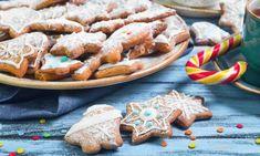 Δέκα συνταγές για χριστουγεννιάτικα μπισκότα - Newsbomb Christmas Sweets, Xmas, Christmas Projects, Apple Pie, Gingerbread Cookies, Waffles, Biscuits, Cooking, Breakfast