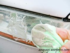 5 Minutes to Clean Headlights - baking soda
