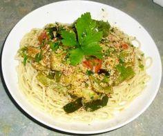 Würziges Gemüse auf Spaghetti