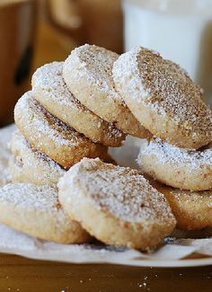 Low FODMAP & Gluten free Recipe - Sugar-dusted vanilla cookies  http://www.ibssano.com/low_fodmap_recipe_sugar_dusted_vanilla_cookies.html