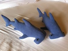 Hammerhead shark by DustyLionCrafts on Etsy Baby Great White Shark, Sewing Crafts, Sewing Projects, Hammerhead Shark, Head Shapes, Soft Eyes, Felt Animals, Jingle Bells, Handmade Toys
