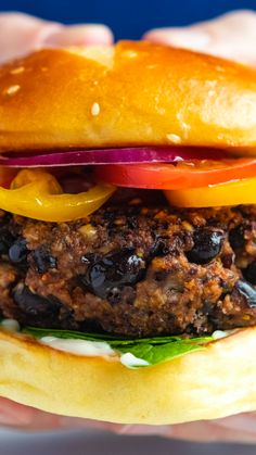 Bean Recipes, Burger Recipes, Whole Food Recipes, Cooking Recipes, Healthy Recipes, Black Bean Burgers, Vegan Burgers, Food Tasting, Vegan Foods