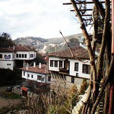 The view looking down at the village of Melnik, Bulgaria.   La vista mirando hacia abajo en el pueblo de Melnik, Bulgaria.  www.marginalboundaries.com   #travel #traveling #marginalboundaries #bulgaria #melnik #easterneurope #europe #traveling #backpacking #livingabroad #rtw #adventure #culture
