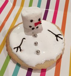 Fun Christmas recipes for kids. Christmas Recipes For Kids, Christmas Ideas, Last Christmas, Marshmallow, Kids Meals, Sprinkles, Snowman, Icing, Biscuits