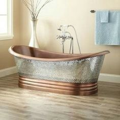 Magda Interiors blends natural accents and the Constantine Mosiac Copper Tub in this show-stopping bathroom design. Shop the look at Signature Hardware. Stone Tub, Copper Tub, Hammered Copper, Design Rustique, Japanese Soaking Tubs, Tiny Bath, Bathtub Remodel, Classic Bathroom, Clawfoot Bathtub