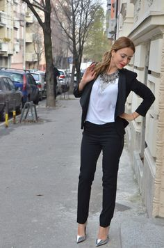 Women's tuxedo Outfit / Stasha Fashion by Anastasija Milojevic #blacksuit #blackandwhite