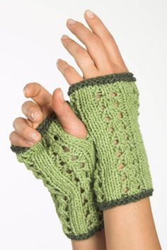Free PDF Pattern - Fingerless Gloves