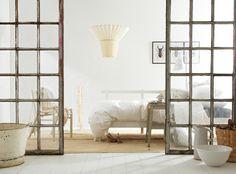 design attractor: figurative lamp
