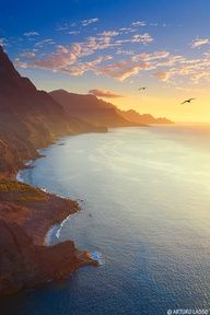 Gran Canaria. Spain ....  SPAIN! ::lesigh:: I LOVE Spain! Especially the Northern Coast!