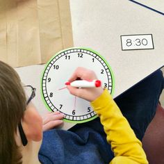 FREE Telling Time Math Centres
