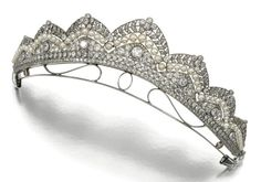 Antique Tiara, The Netherlands (ca. 1910; pearls, diamonds).