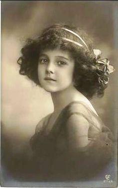 Vintage Postcard ~ Lovely Girl | Flickr - Photo Sharing!