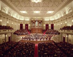 Amsterdo  shares the best guide to theatres and concert venue halls in Amsterdam. Keep in touch to get latest updates about Shows in Amsterdam Theatres.