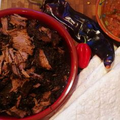 Taqueria-style shredded beef soft taco's uit Mexican Slow Cooker Cookbook van Marye Audet