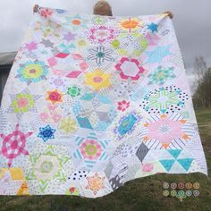 Beautiful Smitten quilt @ kviltstina - pattern is by Lucy Carson Kingwell