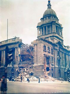 The Old Bailey law courts, damaged by German bombing. Rarely Seen Color Photographs of London During World War II ~ vintage everyday Photography Degree, Still Photography, Colour Photography, White Photography, London Pictures, London Photos, Vintage London, Old London, Victorian London