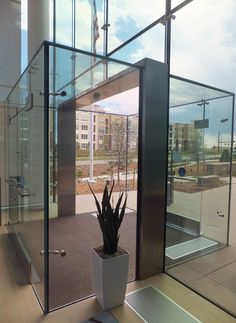 W&W Glass Facades Blog | Great First Impressions with All Glass Vestibules