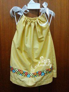 DIY : Pillowcase dress & Minnie Mouse Pillowcase Dress Pattern   DIY pillow case dress ... pillowsntoast.com