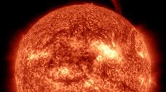 An incredible time-lapse video of the Sun was compiled by James Tyrwhitt-Drake from more than images taken by the NASA Solar Dynamics Cosmos, Sistema Solar, Nasa Sun, Scientific Articles, Science Videos, Carl Sagan, Video Capture, Deep Space, Space Exploration
