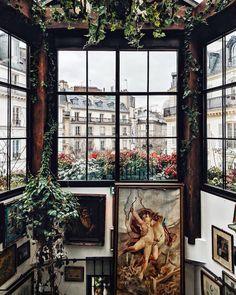 Picture-perfect Parisian corners