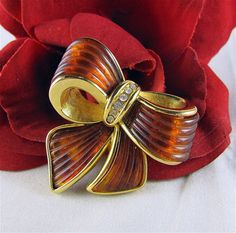 Retro Joan Rivers Signed Figural Bow Faux Amber by VintagePolice4U