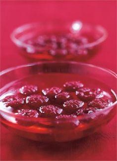 my fav Nigella Lawson dessert, slut red raspberries in chardonnay jelly Pear And Almond Cake, Almond Cakes, Raspberry Recipes, Red Raspberry, Jelly Recipes, Sweet Recipes, Posh Nosh, I Chef, Nigella Lawson