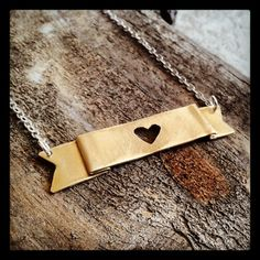 WIN a January Jewelry $25 Shop Credit over at The Funky Monkey! Giveaway ends 5/7/13.