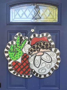Christmas Door Decorations, Christmas Wreaths, Christmas Crafts, Xmas Drawing, Snow Much Fun, Santa Sleigh, Christmas Paintings, Autumn Art, Door Hangers