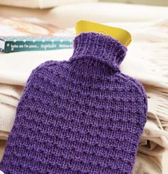 Whip up these easy last-minute gifts from Susie Johns! Knitting For Beginners, Easy Knitting, Knitting Patterns Free, Knit Patterns, Knitting Ideas, Knitting Projects, Knit Vest Pattern, Bag Pattern Free, Water Bottle Covers