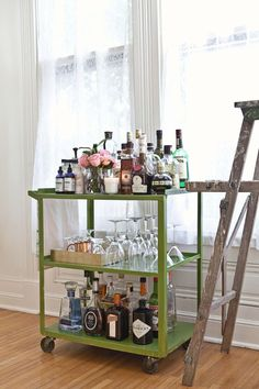 Bar cart cute. #decor