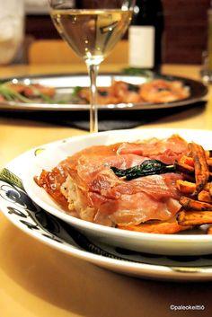 Helppo paleoarki – Parmankinkulla päällystetyt kanafileet Italiasta /// Helppo ja herkullinen kana-saltimbocca on kiireisen arjen pelastaja. Nopeaa arkiruokaa parhaimmillaan! Tarvitaan vain muutama perusraaka-aine ja valmistuskin sujuu vartissa. Kyllä Italiassa osataan… Thai Red Curry, Ethnic Recipes, Food, Italia, Essen, Meals, Yemek, Eten