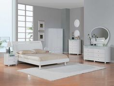 White bedroom vanity set - Transform an old worn bedroom dresser with a new coat of paint. Flip through the design and decoration of interior magazines or Italian Bedroom Furniture, Cheap Bedroom Furniture, White Furniture, Furniture Ideas, Modern Furniture, Furniture Online, House Furniture, Paint Furniture, Furniture Stores