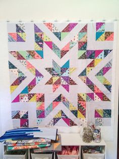 Mixed Patchwork and HST Half Square Triangle Quilt Design Star Quilt Blocks, Star Quilts, Scrappy Quilts, Quilt Block Patterns, Easy Quilts, Mini Quilts, Quilting Projects, Quilting Designs, Quilting Ideas