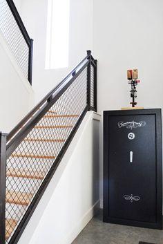 Staircase railing good for mountain home Metal Railings, Stair Handrail, Staircase Railings, Stairways, Pipe Railing, Wood Railing, Loft Stairs, Industrial Stairs, Industrial Metal