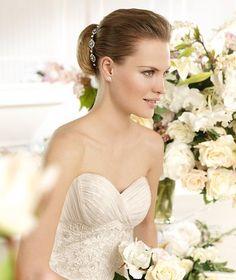 SAGA » Wedding Dresses » 2013 Fashion Collection » La Sposa (close up)