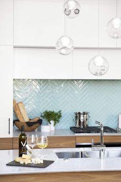 Home Decor Kitchen, Kitchen Furniture, Kitchen Interior, New Kitchen, Kitchen Ideas, Kitchen Wood, Modern Interior, Kitchen Cabinets, White Cabinets