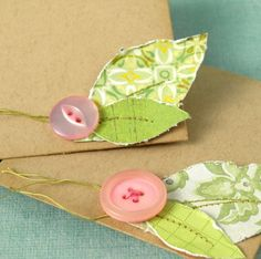 pink buttons and leaves...would make such sweet package decorations!!!!